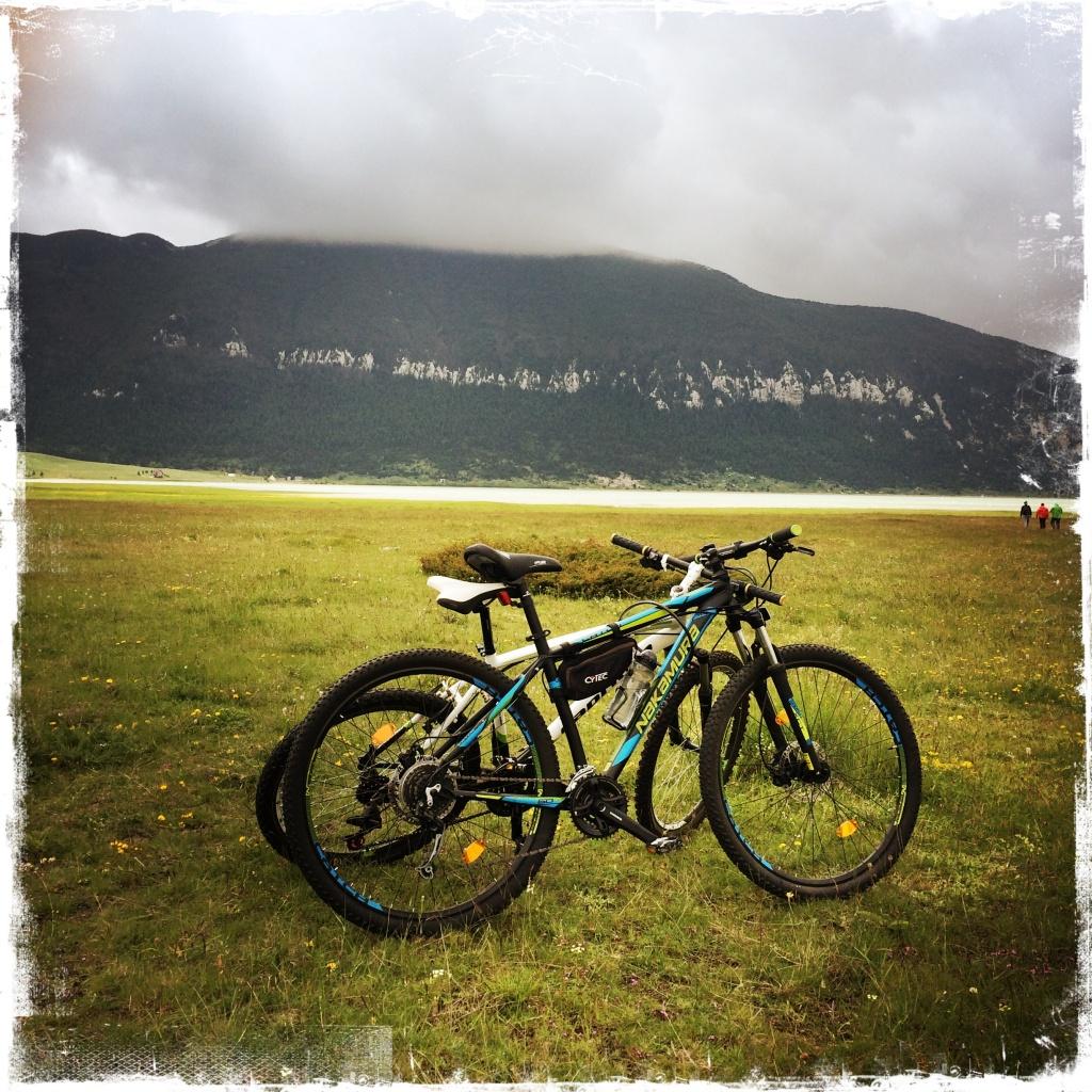 The white trail ist was für Wanderer, Marathonläufer und Mountainbike-Fahrer (Foto: balkanblogger.com)