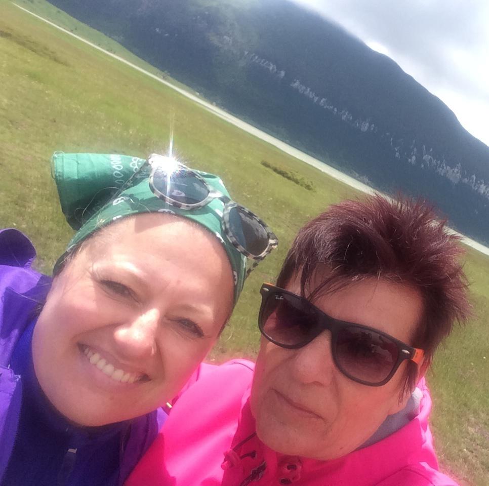 Arzija und ich am Blidinje-See (Foto: balkanblogger.com)